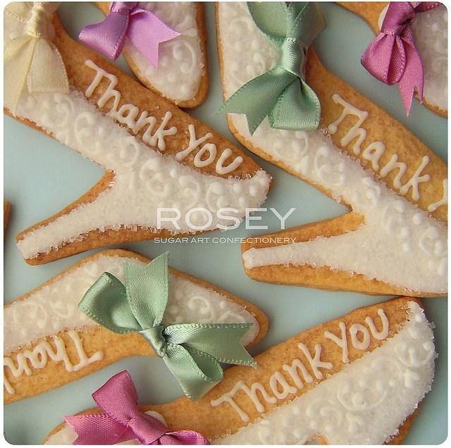 Wedding Shoe Cookiesň.        By Rosey Sugar, white heels
