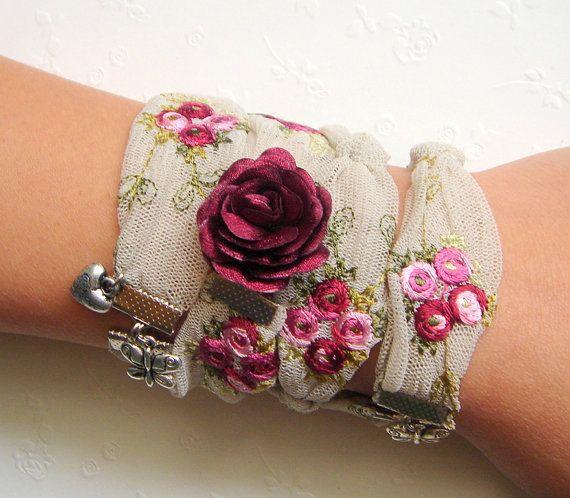 Wrap Armband, Textile Wrap Armband oder Halskette, Textile Manschette, Stickerei-Manschette, Embroidery Armband romantischen Armband
