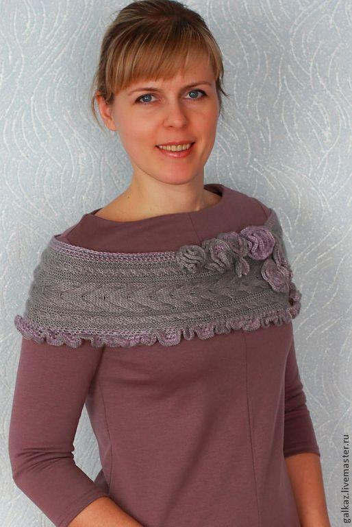 Купить Шарф с цветами - серый, цветы сиреневый, вязаный, спицами, крючком, брусничный, шарф вязаный