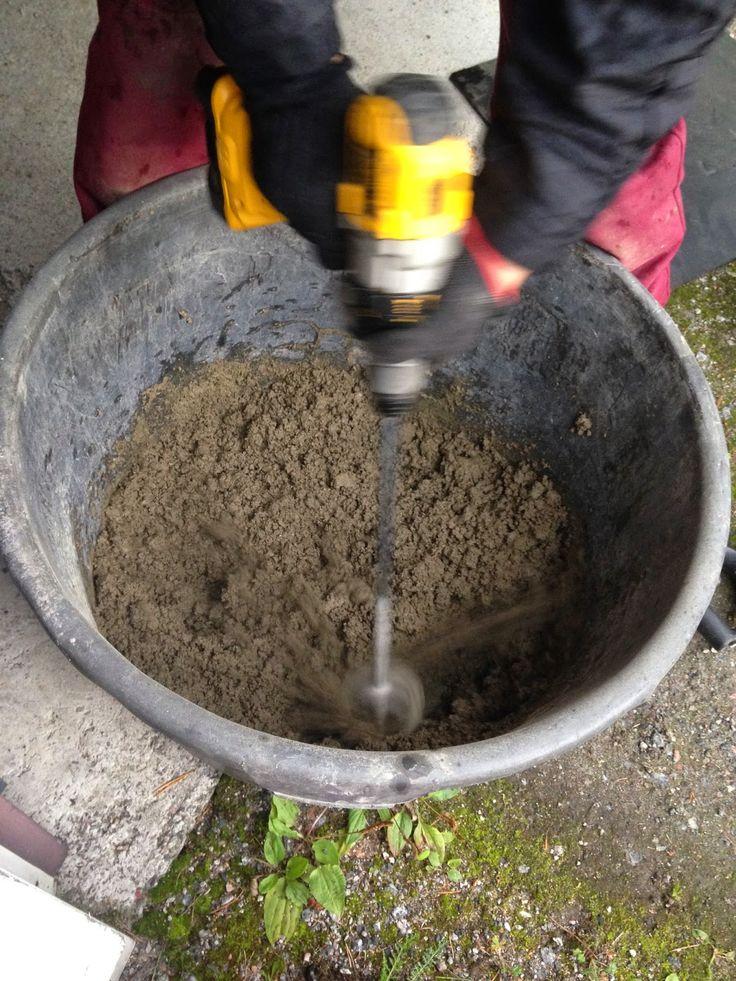Kettukolossa: Betonikokeiluja/Testing concrete works