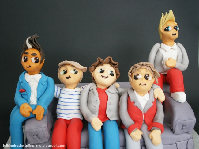 Talking Trash & Wasting Time: One Direction Teen Birthday Cake, cartoon figures of the 1D boys made from fondant :) cake decorating fun!