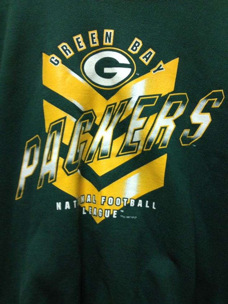 A personal favorite from my Etsy shop https://www.etsy.com/listing/258770445/vintage-green-bay-packers-sweatshirt  Vintage Green Bay Packers Sweatshirt // Packer Sweatshirt // Size L // Retro Packer Sweatshirt // Packer Gift // Brett Favre //90s packers