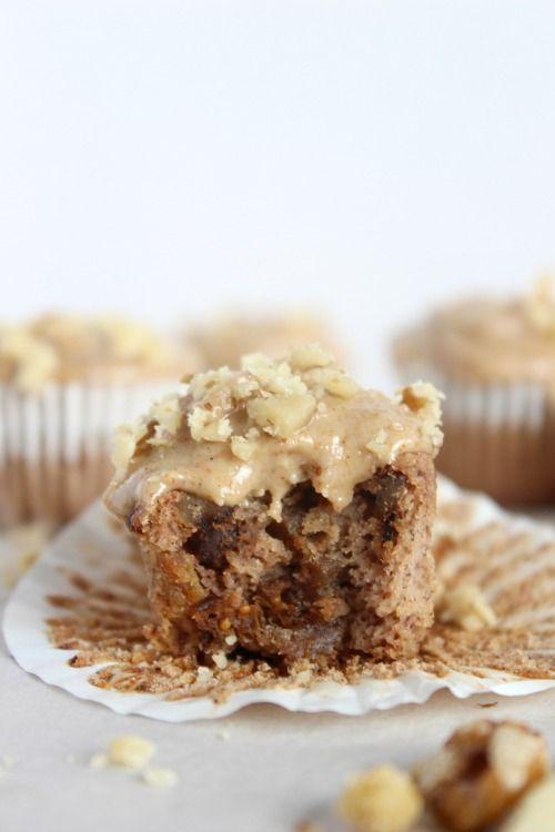 Banana, Fig & Walnut Mini Muffins - Low Carb, Grain Free & Paleo Friendly - www.betterwithcake.com