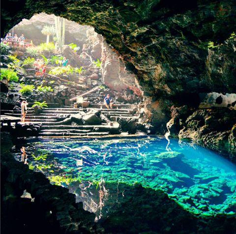 Les Jameos del Agua sont des cavités souterraines se trouvant au nord de l'île de Lanzarote dans l'archipel des Canaries.