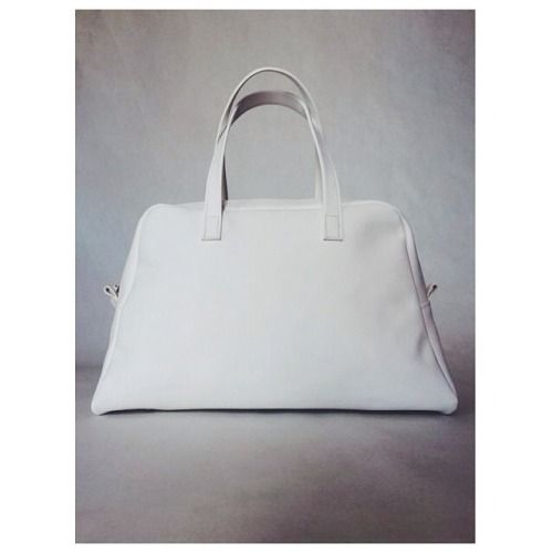 ⬜️ White Elita ⬜️ #white #bag #bowling #leather #handmade #madeinitaly #blackandwhite