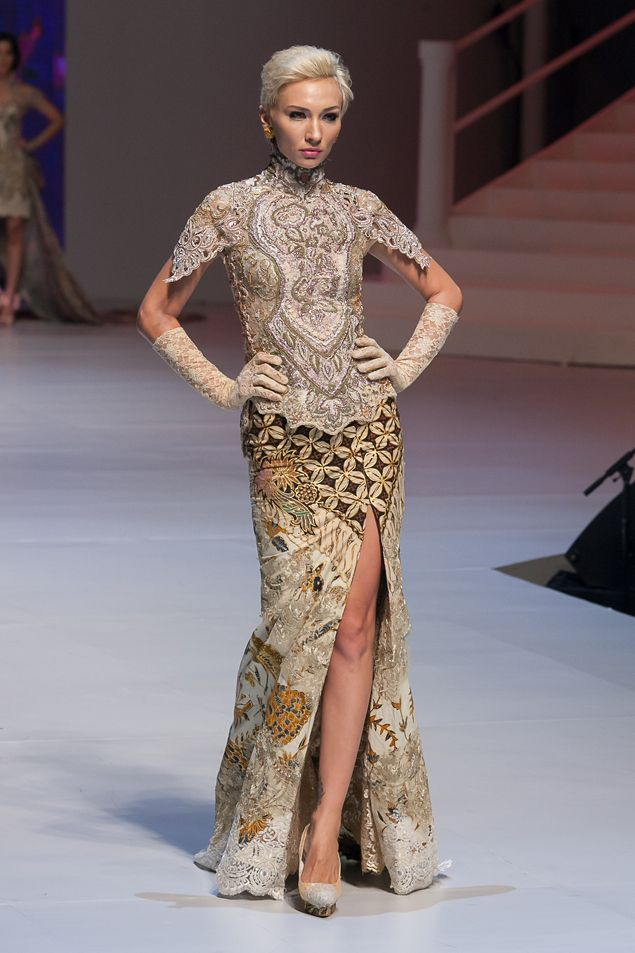 Love this kebaya