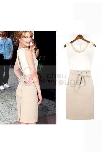 Classieuse robe courte beige ou noir au dos fendue et jolie ceinture 1111
