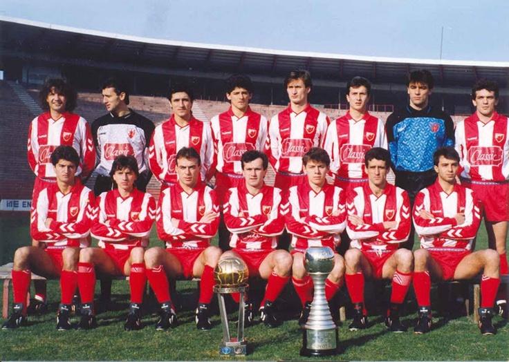 Estrella Roja de Belgrado (serbio: Fudbalski klub Crvena Zvezda Beograd; serbio cirílico: Фудбалски клуб Црвена звезда Београд) 1990/91.  Campeón del Mundo de Clubes 1991.