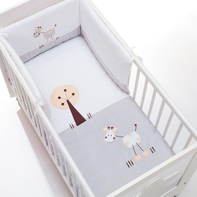 Ropa de cuna para bebés, con divertidos y originales dibujos infantiles bordados. Baby textiles #newborn #crib #cunas