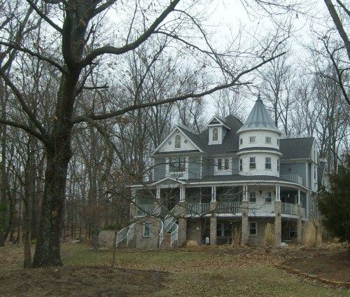 1070 best abandoned mansions images on pinterest for Southern illinois home builders