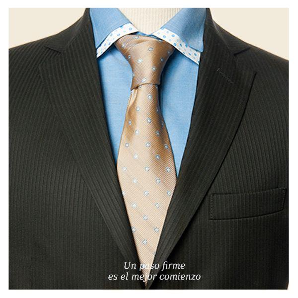 Utiliza un traje que te haga destacar de lo común y te guíe hacia el éxito.