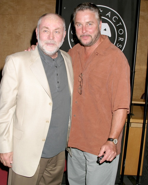 Robert David Hall and William Petersen play Dr. Robbins and Gil Grissom on CSI