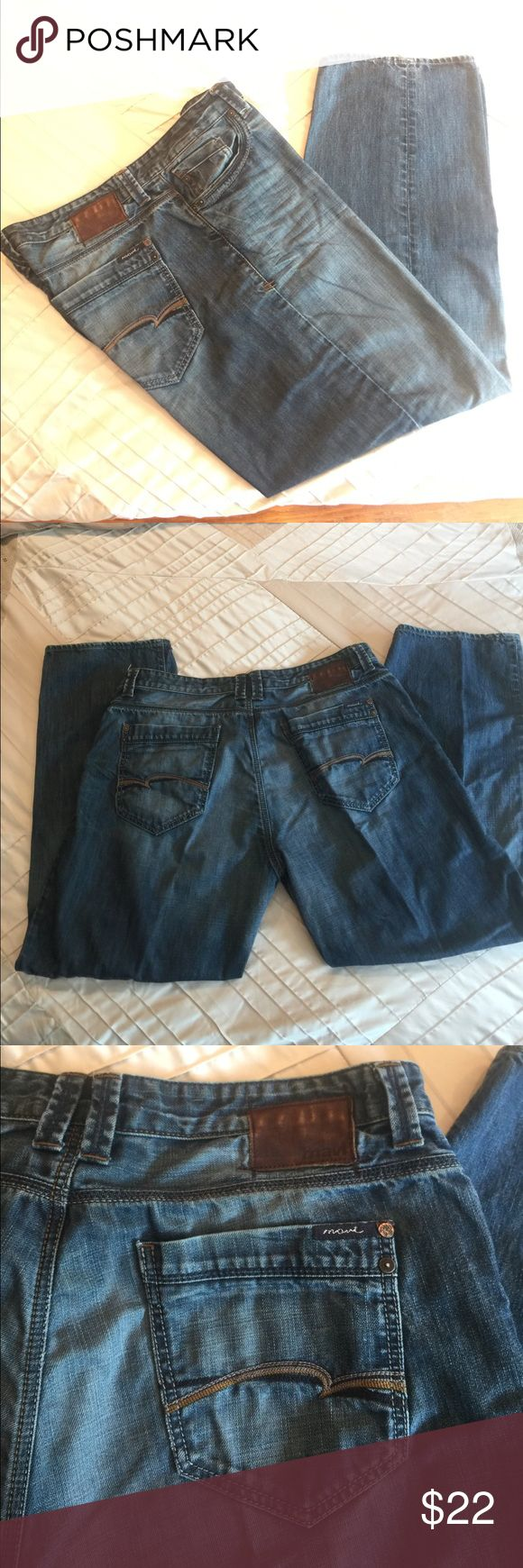 EUC Maxi Max Athletic Fit Medium Wash Jeans 40/32 EUC Mavi Max Athletic Fit Medium Wash Jeans 40/32. 5 pocket, button/zip fly style. No rips,l or stains, No wear on leg hem. All belt loops and rivets intact, no holes in pockets.  Original hem. Wide leg opening. Extra room throughout thighs.  Please ask questions if needed. Mavi Jeans Relaxed