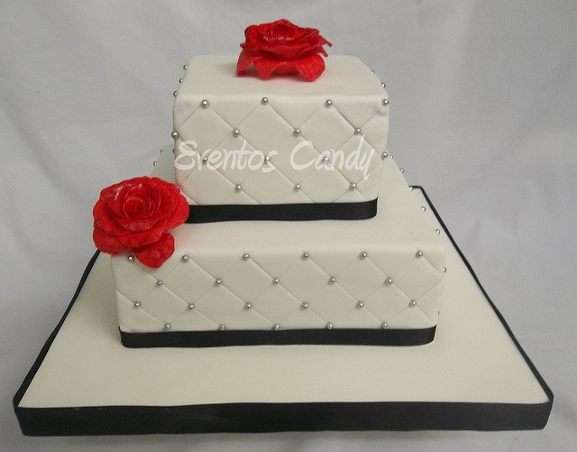 Torta cuadrada by Eventos Candy, via Flickr