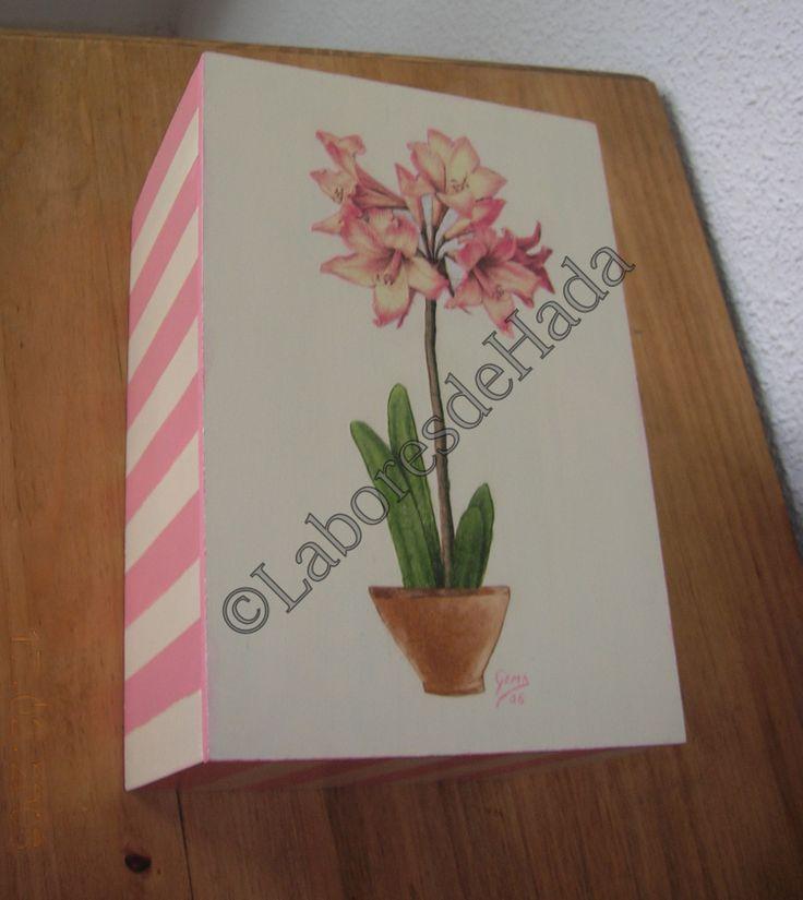 Caja de madera con Orquidea