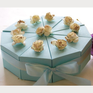 Blauwe taart van papier