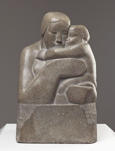 Mother and Child / 1927 by Barbara Hepworth / Art Gallery of Ontario, Canada / Bridgeman Images