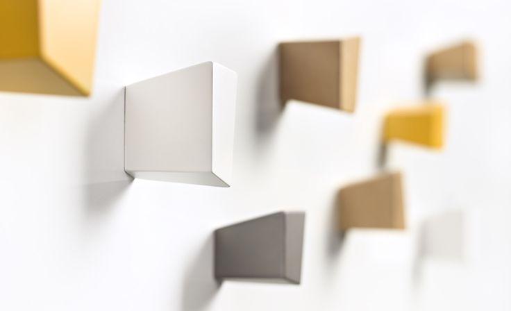 TREVISO ist eine Kletterwand für die Garderobe.