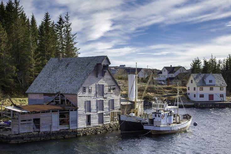 Old Norwegian boathouse - null
