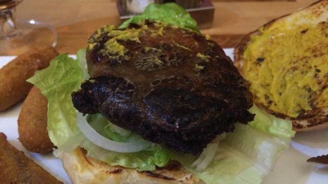 Disznótoros burger W35