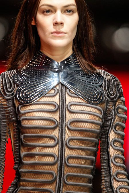 FALL 2013 READY-TO-WEAR Christopher Kane