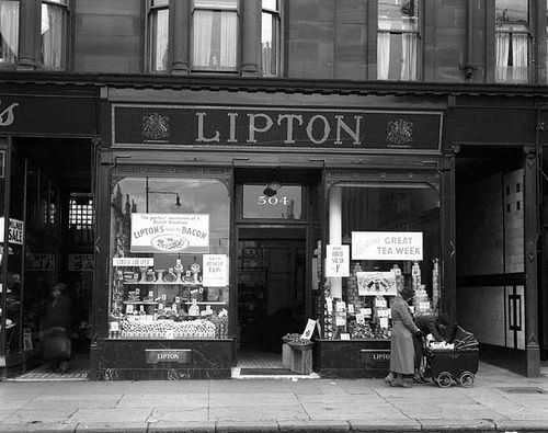 A Lipton's shop, my uncle managed one in   Dublin.