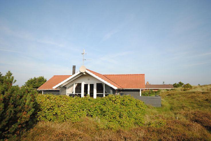 Last Minute an der dänischen #Nordsee mit Hund ab Samstag: http://www.danwest.de/ferienhaus/3709/helles-guteingerichtetes-ferienhaus-500-meter-vom-strand #LastMinute #Dänemark #Ferienhaus