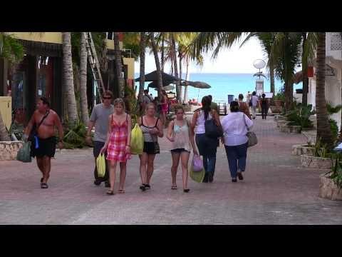 Day and night impressions of Playa del Carmen and the Riviera Maya - Latido de Mexico