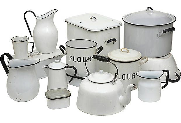 Vintage Kitchenware. I love enamelware.  I love it ALL!