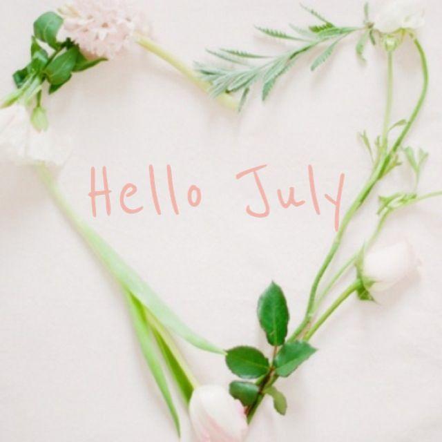 "hello july...""...Χαρμα η ξυπολια σε καλοκαιρια Ρωμαίικα""...γραφει ο Καρουζος.......Καλημερα!!! Καλο μηνα!!!! Ζεστος, αχνιστος και καυτος!!!! Τωρα....για ελαττωσε ταχυτητα , ασε το καθημερινο πηγαινε ελα στους δρομους... τωρα τα θελω μοιαζουν να λιγοστευουν....μια δροσερη γωνια, ενα δροσερο ποτο, μια αναπαυλα απο τις απαιτησεις της μερας."