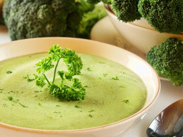 Broccolisoppa (kock Anna Skipper)