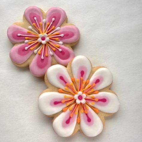 Flowers! Värikästä. #fantasiapiparit #fantasiakukka #piparit #pikeeri #kuorrutus #sokeri #kukka #cookies #fan - ebety5