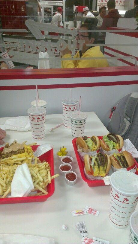 Værs' go' og spis - Secret Menu (four by four) + dobble-dobble-burger på populære In-N-Out Burger i LA!