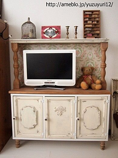 カラーボックスで作る☆フレンチ風テレビ台 by yuzuyuri12さん ... ... なテレビ台♪モールディング等、エレガントな装飾類を取り付けることで、本格アンティーク家具のような仕上がりになりますね。下に付いている脚もカラーボックスさ ...