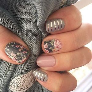 Jamberry-Custom-Mixed-Manicure-Daydream-Gray-Silver-Stripe-w-Dusty-Floral More