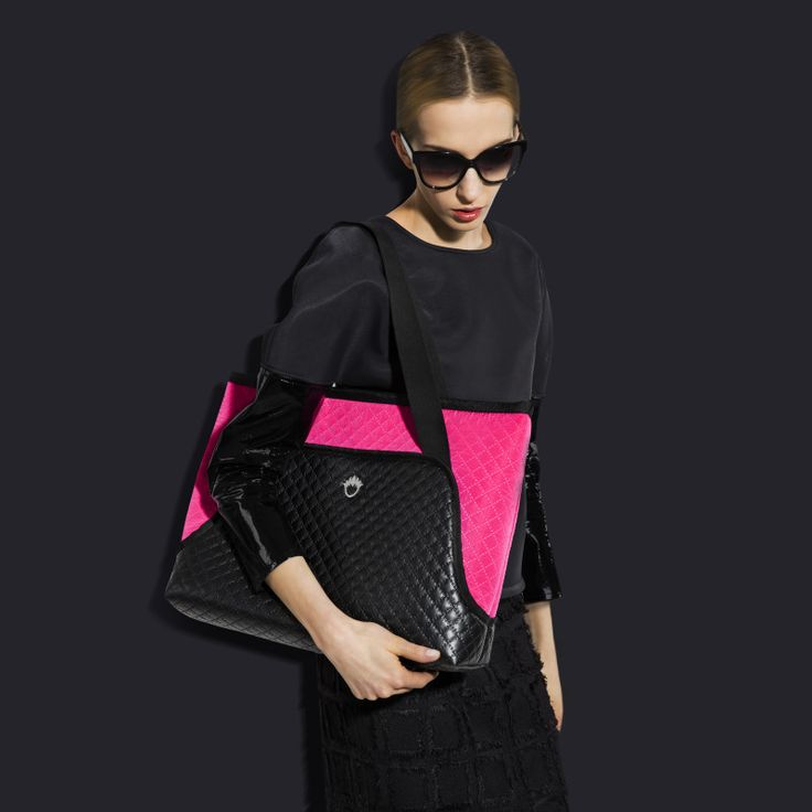 "GOSHICO, photo shoot, ss2015, Flowerbag, (shoulder ""M"" bag), black + pink. To download high or low resolution photos view Mondrianista.com (editorial use only)."