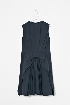 dress with pleated back, cos #minimalist #style #fashion