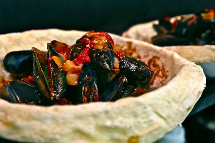 #Kinkawooka #mussel, served in a freshly baked pizza bread basket #KirribilliKitchens #Kirribilli #Woodfire #Kitchen #PizzaBreadBasket