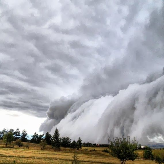 """WEATHER PHENOMENON: The Sky Is Falling In Bozeman, Montana - Stunning And """"Unusual"""" Shelf Cloud Formation-- Oct. 1, 2013"""