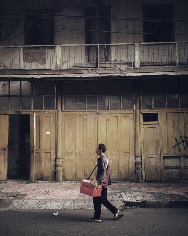 Chinatown, #Yogyakarta city, #Indonesia, 2016. #streetphotography #photojournalism #chinatown #malioboro #street | larasadi | VSCO