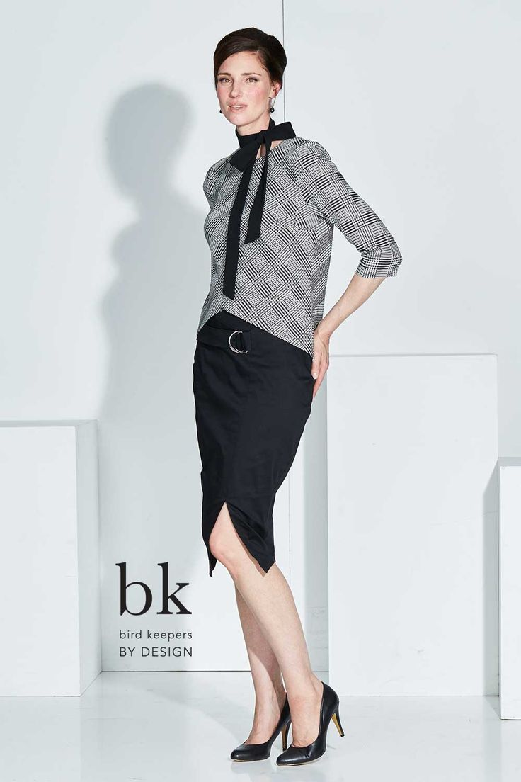 BIRD KEEPERS BY DESIGN - The Houndstooth Top