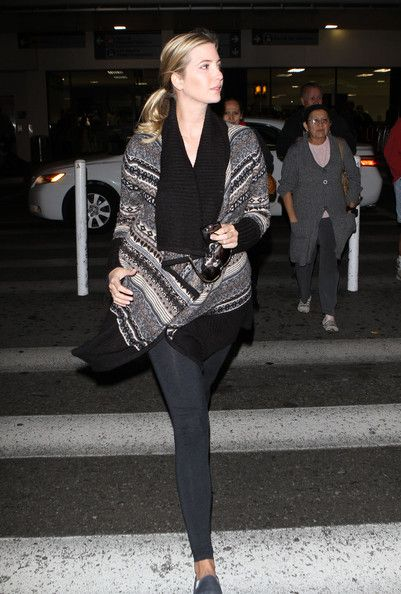 Ivanka Trump Photo - Pregnant Ivanka Trump Arriving At LAX Airport