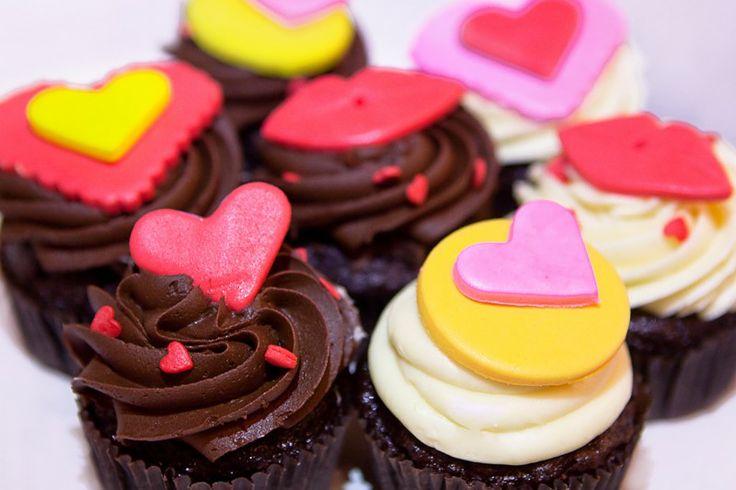 Микс капкейков ко дню Святого Валентина. Sweet Hearts cupcakes