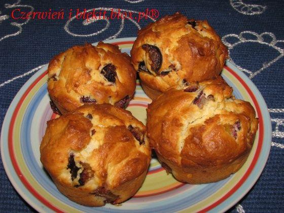 Muffiny serowe ze śliwkami i czekoladą