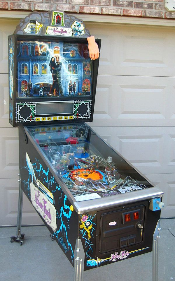 I've only ever wanted to own one pinball machine. This is it! They're creepy & they're kooky. They're altogether spooky!