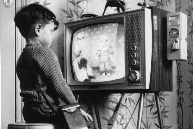 Jovens trocam TV por internet cada vez mais rápido, mostra pesquisa