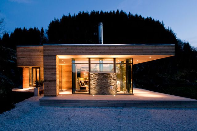 Somrig norsk hytte i Bjergøy bild 1