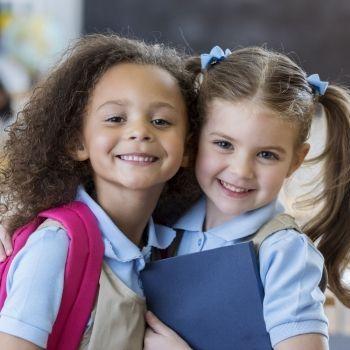 Te damos algunos consejos para fomentar el valor de la honestidad en los niños. Enseña a tu hijo desde pequeño la importancia de un valor que nos ayuda a ganar confianza con las personas más cercanas. Un valor íntimamente unido a la amistad. Descubre cómo puedes generar en tu hijo más honestidad.