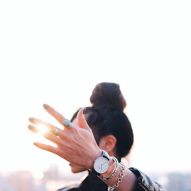 """#chasinglight スウェーデン発の腕時計ブランド @danielwellingtonwatches 『ダニエル・ウェリントン』danielwellington.com/jp ""tuck4""のコードで15% off⌚️4月15日まで有効です。 #danielwellington Use…"""