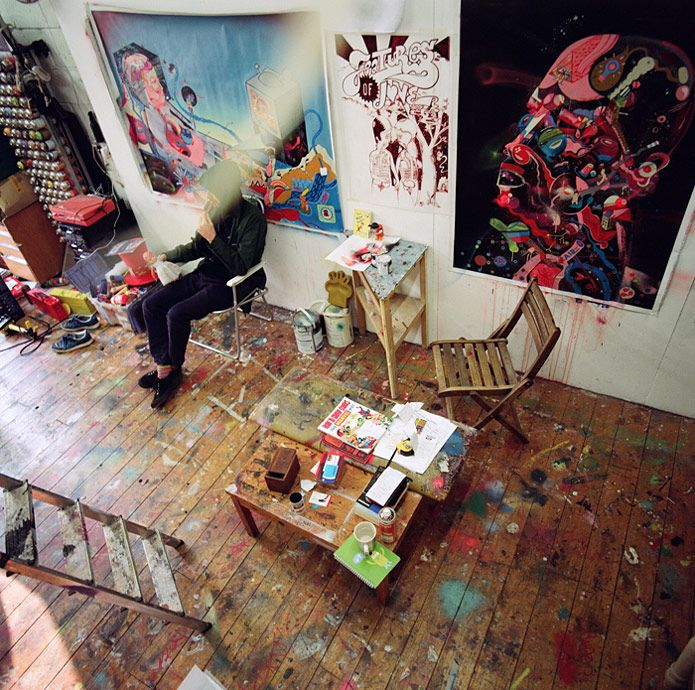 Love the idea of having a floor with paint splatters everywhere. It's really pretty.